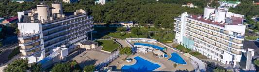 Отель «Alean Family Resort & Spa Biarritz», Геленджик (бывш. «Сосновая роща»)